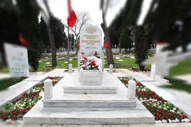 mehmed-akif-ersoyun-Mezarı